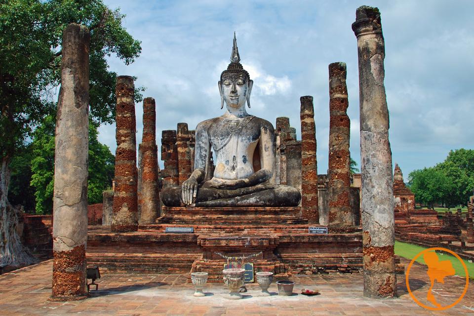 wat-mahathat-parque-historico-sukhothai-descubre-tailandia